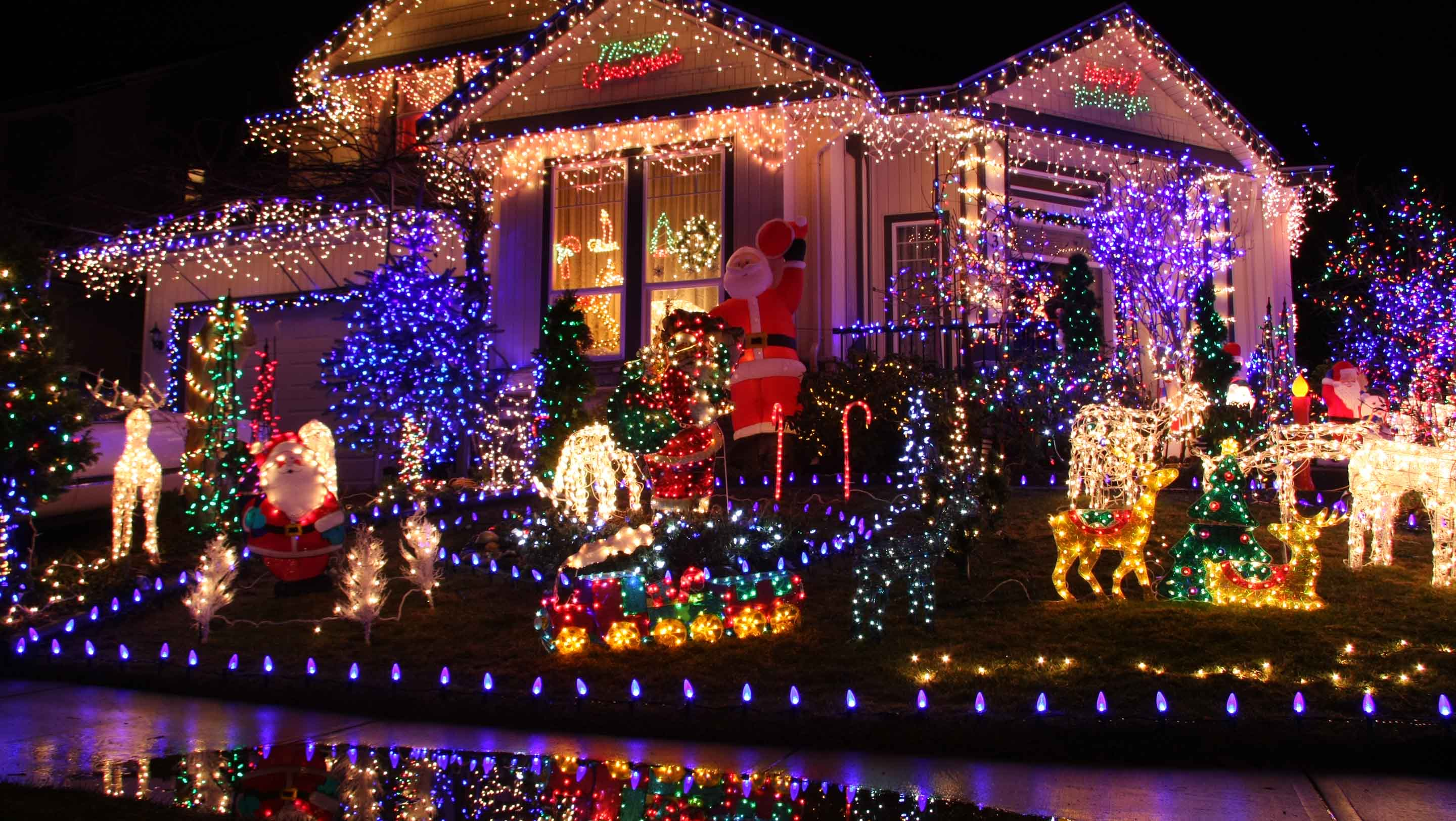 House With Christmas Lights.The Brailsford Family Christmas Lights Homeprotect